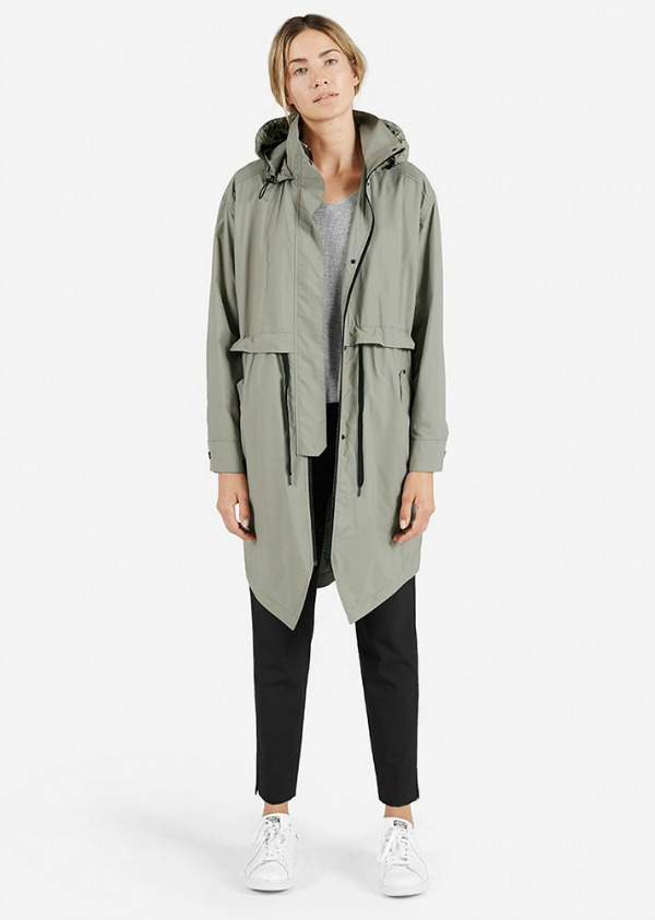 everlane-the-lightweight-anorak