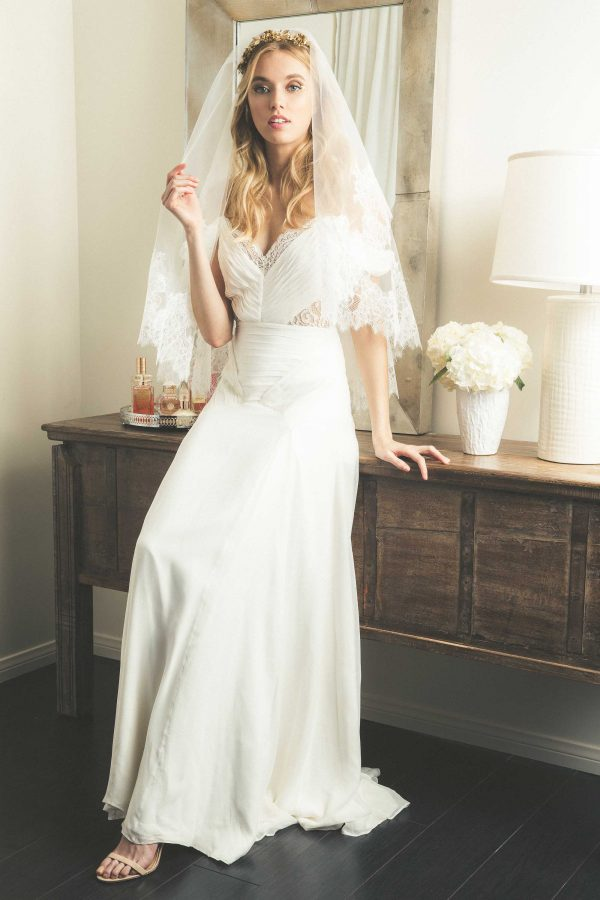 tzr-bridal-cold-shoulder-wedding-dress-with-veil-600x900