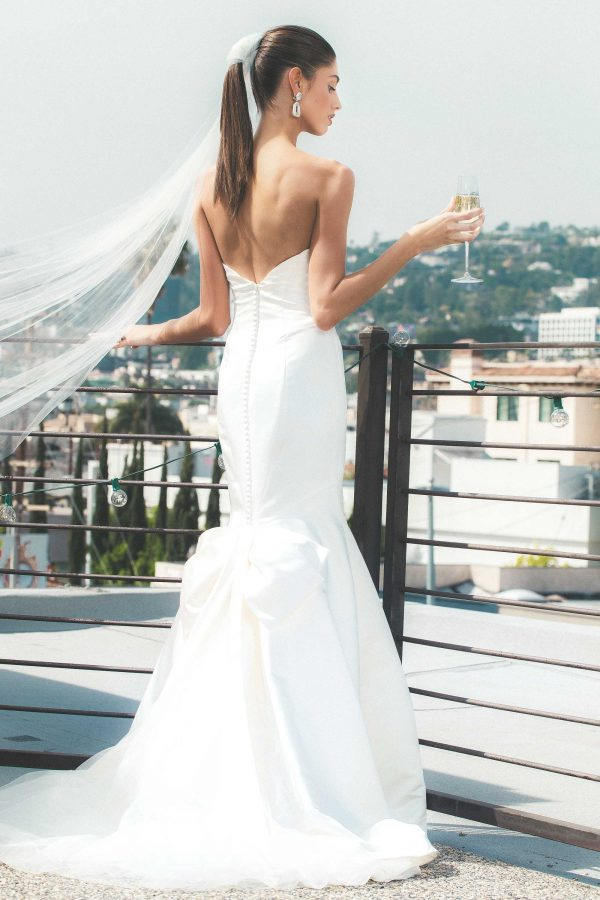 tzr-bridal-zac-posen-wedding-dress-600x900