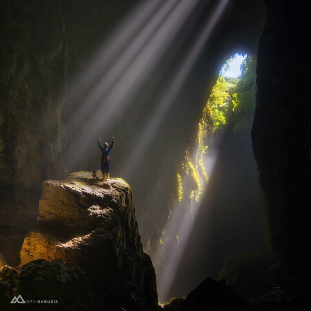 Heavenly-Light-Photography-by-Ben-Babusis-www_benbabusis_com-Lost-World-Cave-in-New-Zealand_-_cave-_exploration-_adventure