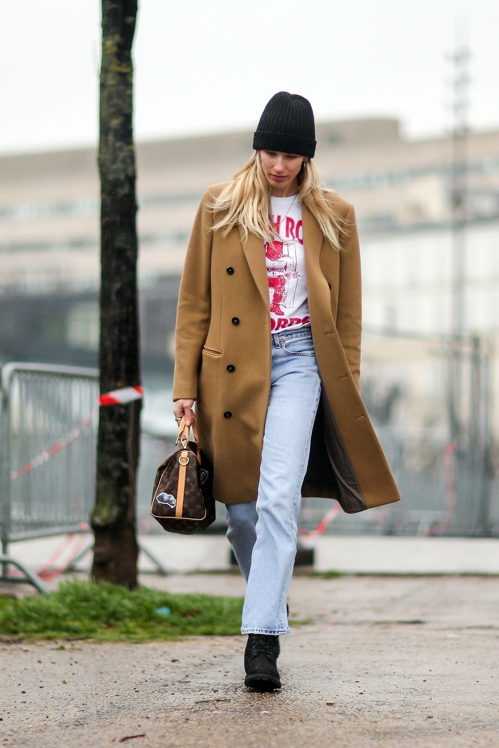 hbz-beanie-street-style-gettyimages-646902168-1514486710